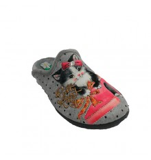Slipper woman standing at home behind cat Alberola in gray