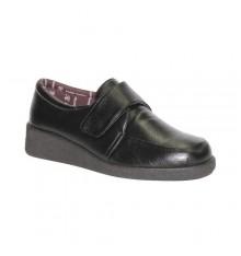 Velcro Shoe delicate feet Doctor Cutillas in black