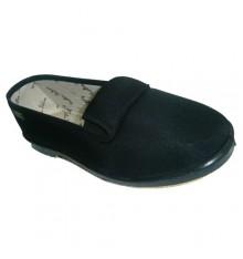 Sapatos com elásticos nas laterais em preto Cutillas Puchaes