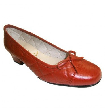 Manoletina type shoe with bow and low heel Roldán in red
