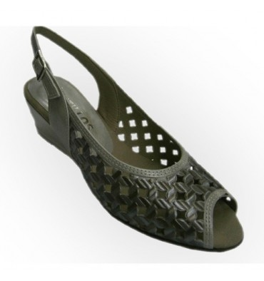 Braided wedge sandals patent leather upper combined Pitillos in metallic