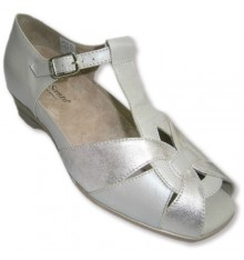Sandals closed behind and open combined beige and metallic tip Pie Santo in beig