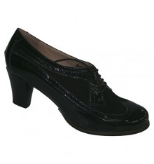 High-heeled shoes with laces and patent leather Roldán in black
