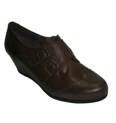 Wedge shoes with two buckles Pitillos in brown
