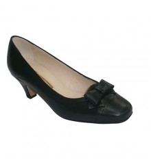 Medium heel shoes with bow on the vamp Pomares Vazquez in black