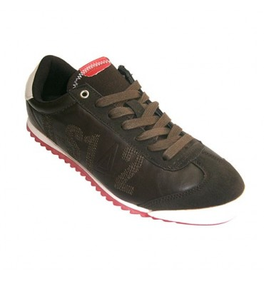 Sport man pretending very soft leather Ozone in brown