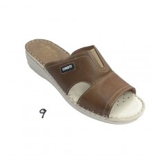 Chancla woman leather with elastic instep Muñoz y Tercero in taupe