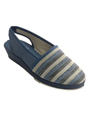 Woman shoe shovel open behind stripes Soca in blue