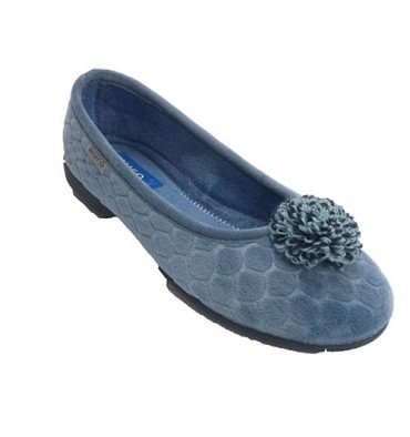 Manoletina closed type shoe woman with pompom Muro in heavenly