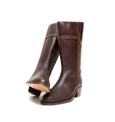 Clásica bota campera Danka en marrón