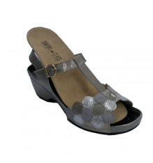 Very comfortable woman sandal plant softly removable insoles Confort Class in metallic