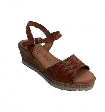 Woman sandal with wedge simulating esparto Togar in leather