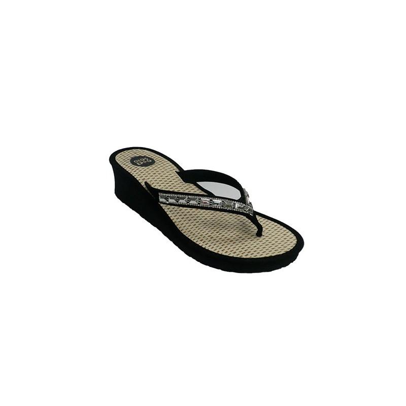 bfcc4988c55c Flip-flop beach woman swimming pool finger with rhinestones Gioseppo ...