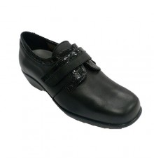 Women's patent leather shoe Trebede in black