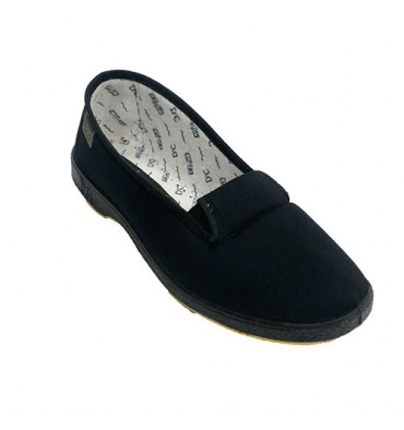 Venetian shoe woman rubber bands on the sides senior person Doctor Cutillas in black