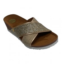 Woman beach flip flops crossed with diamonds Gioseppo in golden