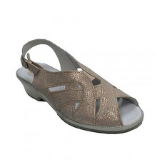 Very comfortable woman sandal Lumel in metallic