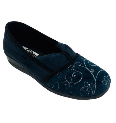 7dd784de9a Closed woman shoe collected on the instep Nevada in navy blue model 619