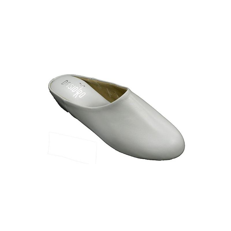 diseño atemporal c9954 ae7b8 Zapatillas mujer piel abierta atrás estar casa DEISIDRO en blanco