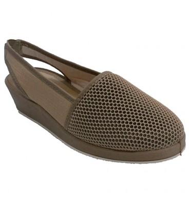 https://www.calzadoslabalear.com/11273-thickbox_default/zapatillas-mujer-cerrada-por-la-punta-y-abierta-por-detras-soca-en-beig.jpg