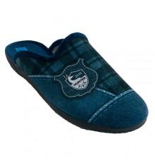 Winter man sneakers open behind Alberola in navy blue