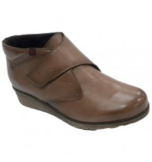 Woman ankle boot with velcro Pepe Menargues in brown