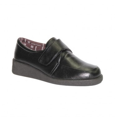 Velcro Shoe delicate feet Doctor Cutillas in black