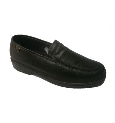 Slip-on shoes for delicate feet Doctor Cutillas in brown