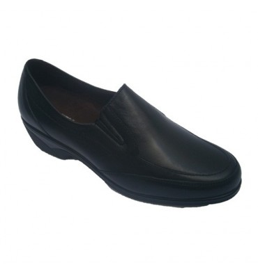Shoes with rubber on the sides with half wedge Pitillos in black