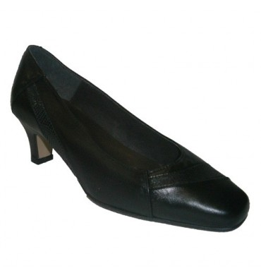 Classic Shoe Tres Damas in black