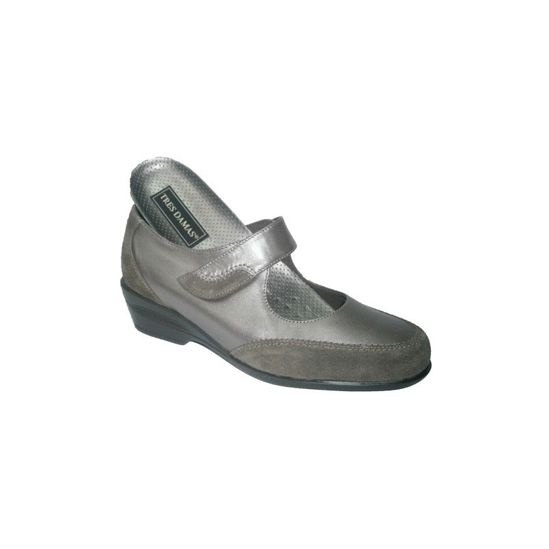 753e66b5 Mary Jane shoe with velcro and tube Tres Damas in metallic model ...