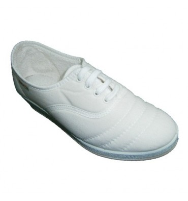 Wedge shoe laces to walk Soca in white