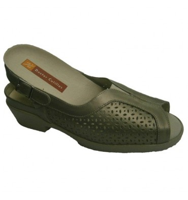 Sandals very comfortable footbeds Doctor Cutillas in metallic
