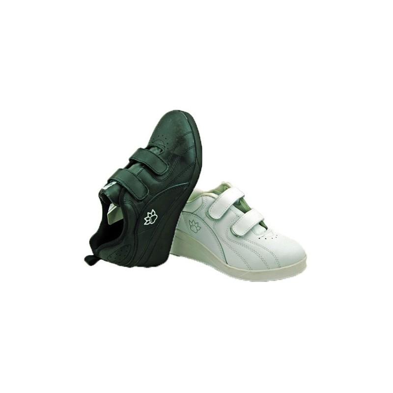 62c1b02028a Comprar Zapatillas deporte con cuña velcro Kelme en negro online