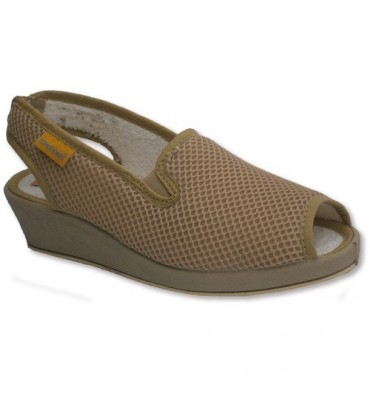 Slingbacks with a very comfortable rubber sides Soca in beig