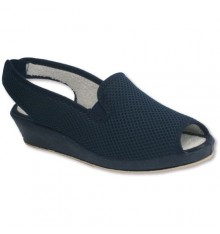 Slingbacks with a very comfortable rubber sides Soca in navy blue