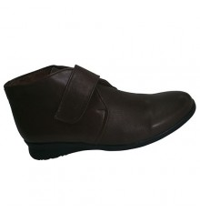Boots with Velcro rubber floor El Corzo in dark Brown