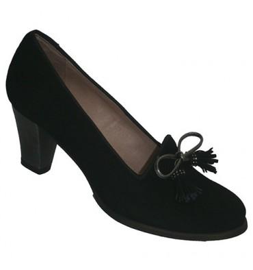 Sapatos de salto alto de camurça com laço ornamento em preto Roldán