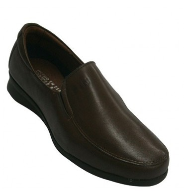 Leather shoes with rubber on the sides very comfortable rubber floor Pitillos in brown