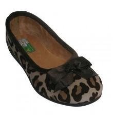 Sapatilha sapatos baixos com desenhos de leopardo em bege Alberola