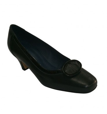 Medium heel shoe with square motif Pomares Vazquez in black