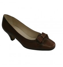 Medium heel shoes with bow on the vamp Pomares Vazquez in medium brown