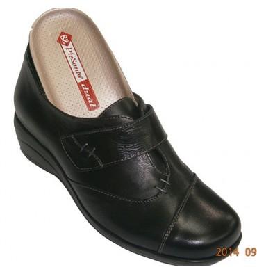 Zapato especial para plantillas muy cómodo Pie Santo en negro