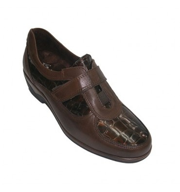 Combined velcro shoes patent leather and coconut Pitillos in brown