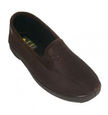 Lycra closed shoes with elastic at the sides with two golden botoncitos Doctor Cutillas in brown