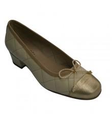 Acolchoado tipo de sapato mulher manoletinas com salto médio Roldán em Beig