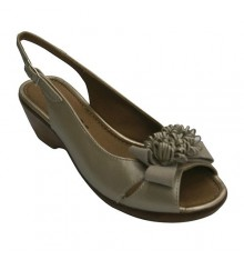 Leather Sandal moña woman imitating wood wedge Pitillos in metallic