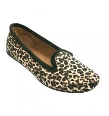 Zapatilla mujer cerrada con dibujos leopardo Gioseppo en combinado
