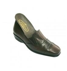 Zapatos mujer con pala alta con gomitas Pomares Vazquez en burdeos