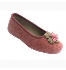 Closed type shoe with pompom woman manoletinas Soca in pink